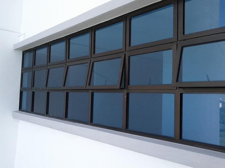 Feliz Window Installation